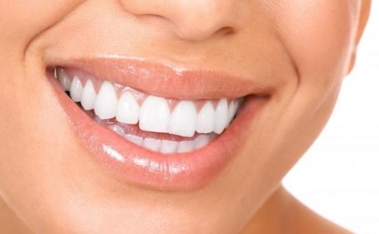 De ce evita unii oameni implantul dentar