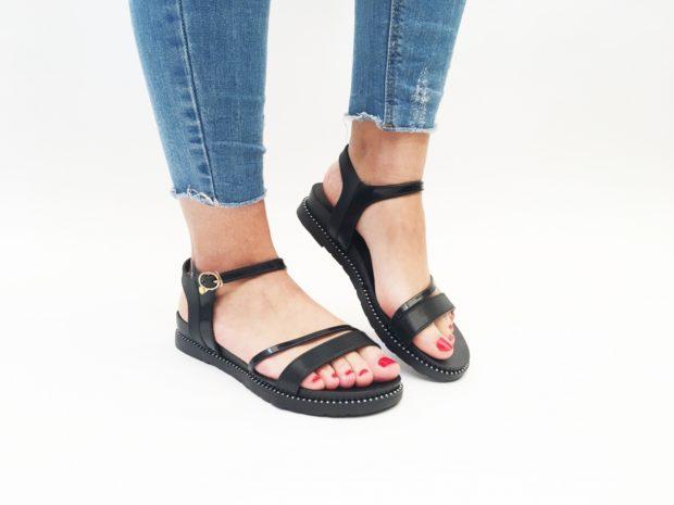 Sandalele, incaltarile momentului!