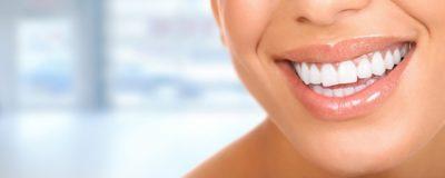 Tratamentul de albire eficient si usor de folosit – descopera benzile Crest