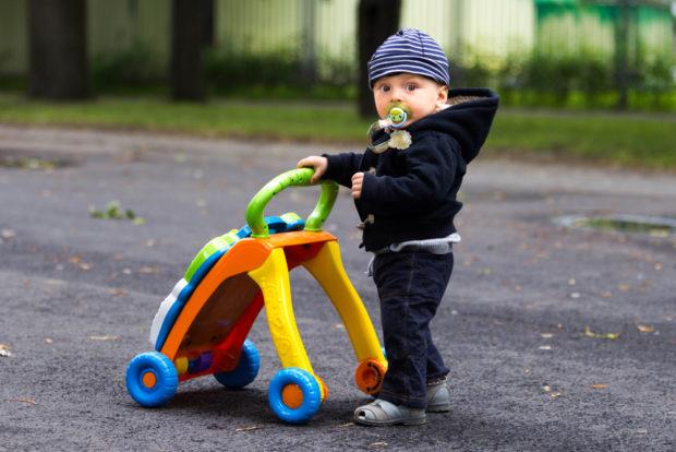 Antemergatorul pentru copii – o jucarie recomandata de pediatri si ortopezi