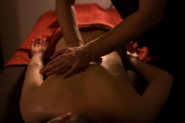 Cand sa optezi pentru serviciile de masaj erotic?