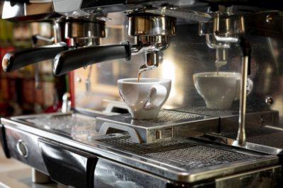 De ce sa optezi pentru un aparat de cafea profesional propriu?