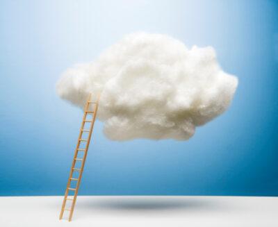 Despre Cloud, chestia aia noroasă și întunecată…