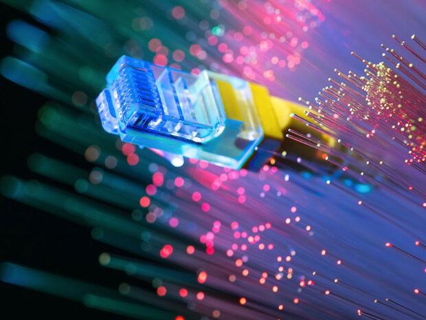 Accesorii pentru functionarea fibrei optice